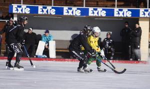 Henrik Cervin ficks e den andra halvleken från läktarplats. Hans Ljusdal föll med 1–14 i den sista juniorelitseriematchen.