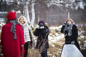 Designern Diana Svensk, blont hår till vänster, tog under förra veckoslutet med sig sitt team till Tallåsen där 2012 års höstkollektion förevigades.