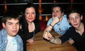 Klubb 34. Johnny, Erica, Anders och Affa