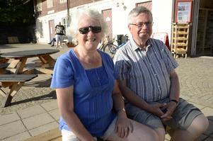 Berit och Gunnar Jacobsson från Upplands Väsby är på semester i Askersund.