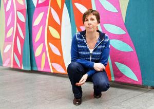Ingrid Krylén är konsumentvägledare i Jämtland och Härjedalen. Under sina 14 år i yrket har hon märkt att kunskapen om konsumentfrågor ständigt minskar hos befolkningen. Nu vill hon att ämnet ska ingå i skolundervisningen.