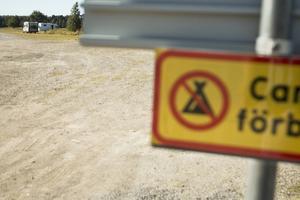 Förslaget om att göra platsen vid Storsjöns strand, nedanför Jamtli, till en laglig ställplats för campare har varit uppe till förslag i kommunen. Men har hittills inte gått igenom. I stället hänvisas husbilar till parkeringen vid Storsjö strand.