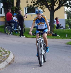 Föråkare Karin Hedlund på väg mot Hönsan.