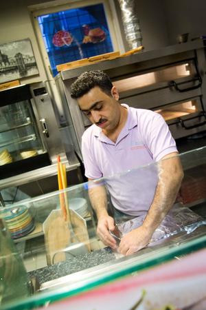 Ziad Elturk, ägare av El Maro pizzeria & grill hade fullt upp under nyårsdagen.