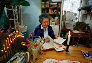 Höjdpunkten på julafton är när jag får läsa julevangeliet i bibeln, säger Astrid Andersson.