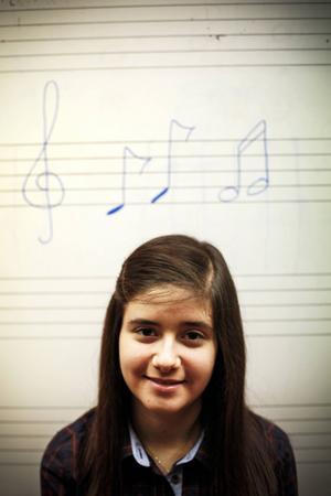 2       Lilit Najjar 16-årig pianist från Syrien som ger kombinationen av kultur och flyktingar ett ovanligt tydligt ansikte. I helgen spelar hon på Jazzköket.
