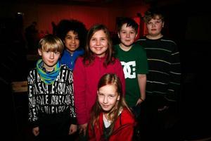 Nöjda fjärdeklassare som ville höra mer jazz – Leo Larsson, Linnea Björklund, Emilia Nääs, Gabriel Chikaonda, Björn Wagenius Christensen och Andreas Gustafsson.