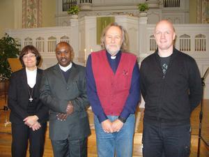 Medverkande från vänster: Doris Bernhardson, Johan Ngabo, Anders Caringer och Magnus Folkegård. Bild: Ann-Marie Olofsson