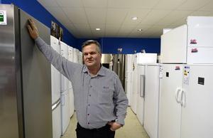 Jimmy Malmström, Janssons hushållsmaskiner, ställer sig frågande till hur kommunen kunde anlita ett företag som befann sig under rekonstruktion.