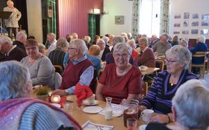 Sextio personer samlades för att äta lunch på Fröjdvallen.