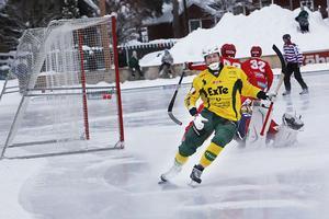 Erik Olovssongjorde tre av LBK:s mål.