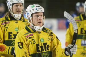 Backen Johan Berglund har förlängt sitt avtal och spelar allsvenskt nästa säsong.