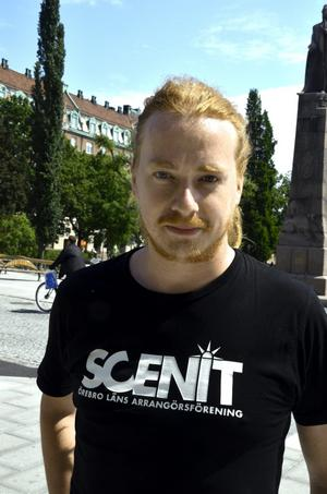 Johannes Nilsson, 31 år, rockmusikkonsulent, Örebro:– Detta är helt enkelt en arbetsplatströja.
