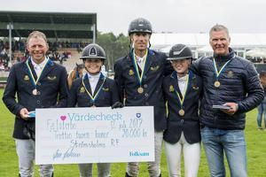 Strömsholms Ridsportförening fick silver när elitallsvenskan avgjordes under Falsterbo Horse Show.