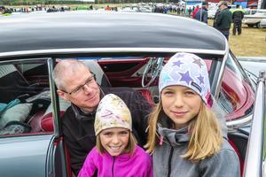 Per-Erik Linde från Brunflo kom med döttrarna Sofie 6 år och 9-åriga Saga, och en Buick Century Rivera från 1955.