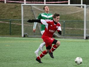Robin Bergman läge att göra mål för Härnösands FF.