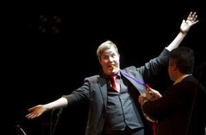 Jakob Leffler Ljungkvist trollade med hjälp från publiken.