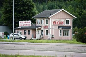 Företaget Varmthem på Norra Vägen i Sundsvall har försatts i konkurs. Ägaren har dock startat ett nytt företag med samma verksamhet.