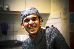 Moder Mothanna Magid studerade tre år på universitetet i Irak, men hoppas på att få studera även i Sverige.