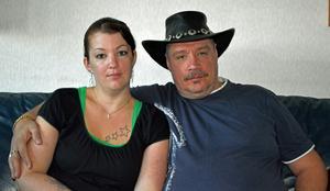 I morgon blir Micke Nylander och Madeléne Nordlander äkta makar och de räknar med en storslagen fest. Samtidigt firar nämligen Micke sin 50-årsdag och hans svägerska Tess, sin 30-årsdag.