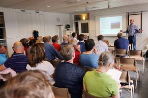 Turistchefen Jonas Kojan, Destination Funäsfjällen, presenterade utredningen vid ett möte med destinationens medlemmar.