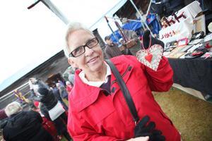 Elly Johansson köpte julpynt till husvagnen.