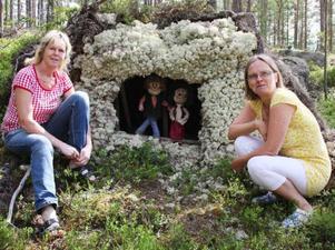 Svägerskorna Mona Eriksson och Ann-Marie Eliasson har skapat lite extra intresse för att göra resan in till Ängersjö med sina troll och djur.