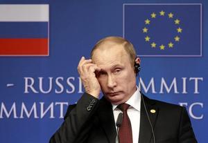 """Inbjudan. När Putin ville skapa legitimitet för folkomröstningen på Krim bjöd han in """"valobservatörer"""", varav flera kom från Europas främlingsfientliga partier. Arkivfoto: Yves Logghe/TT"""
