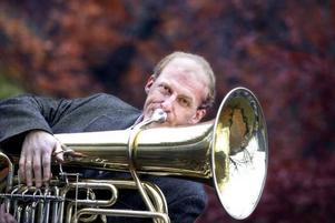 Øystein Baadsvik visade att en tuba visst kan vara ett solistinstrument. Publiken bjöds på en riktig uppvisning.
