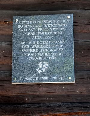 Efter flera timmars vandring i de slovakiska alperna hittar vi en skylt på svenska. Det känns väldigt konstigt. Foto:Johanna Lundin