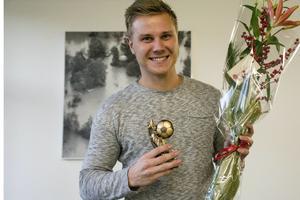 Pontus Melander tog i höstas upp moderklubben IFK Timrå i division II. Nu när 2015 summeras har han utsetts till årets tränare i fotbolls-Medelpad.