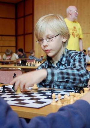 Kai Johansson från Hedenvindsskolan gör ett nytt drag.