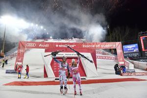 Linus Strasser och Mikkaela Shiffrin segrade i Stockholm.