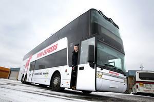 Bussförare Thomas Forssell rattar Runn Express under tre dagar. Nobina vill visa hur kollektivtrafiken mellan Falun och Borlänge kan utvecklas.