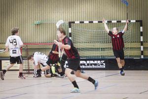 Jubel i Njutånger sedan Daniel Wester gjort 1–0 i derbyt mot Håsta.