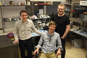 Per Larsson, Johannes Berggren och Tomas Stenlund är tre av de 14 på Permobil som jobbar med utveckling av digitala produkter.