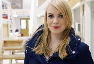Emma Nygren, elev på bygg-och anläggningsprogrammet inriktning måleri på Palmcrantzskolan, första året:– Jag tycker det är jobbigt. Jag vill inte gå med alla andra, det blir för stort och rörigt.