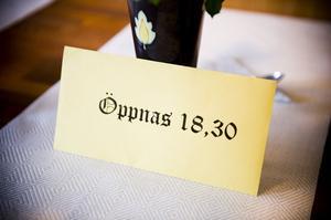 Kuvertet som öppnades klockan 18:30.