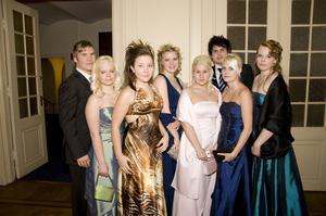 Erik Tengström, Linda Nyberg, Cecilia Holmberg, Camilla Berglund, Josefine Berlin, Kim Westerling, Linn Schweitz och Johanna Eriksson.