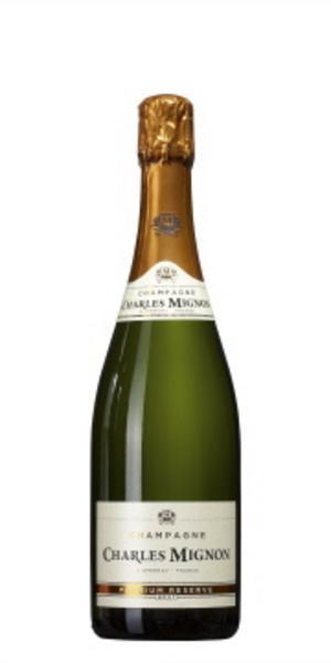 """Till studentskivanCharles Mignon Brut Premium Reserve (179 kronor)""""En prisvärd champagne när man har många gäster, som passar bra till enkel plockmat. Den är krispig."""""""