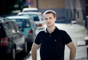 Hambus Lindeberg fick sin bil saboterad med färg på Norra lillåstrand.