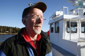 Björn Larsson tycker att det är roligt att hamnen i Mellanfjärden fortfarande är levande.