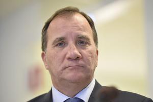 Statsminister Stefan Löfven (S) är förmodligen inte en av dem som kommer drabbas av arbetslöshet.