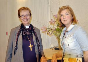 Ingen kan vara fullkomlig som kvinnlig förebild, konstaterar Tuulikki Koivunen Bylund och Catarina Lundström. Själva plockar de olika egenskaper från olika kvinnor som de identifierar sig med. Och ingen av dem vill bli som sin mamma.