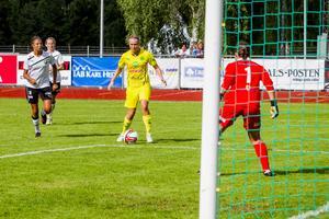 Sanna Signeul gjorde bägge Ljusdals mål i segermatchen mot Hille.