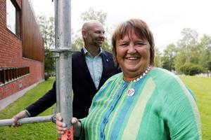 Här, mellan Östersunds bibliotek och rådhuset vill Socialdemokraterna Annsofi Andersson och Anders Edvinsson att stadens nya kulturhus ska ligga.