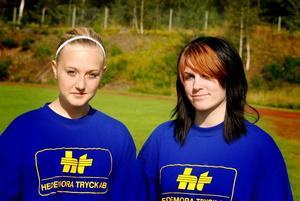Linjedomarna Matilda Bergvall och Amanda Karlsson sa att de hade kul de också. Foto:Johan Källs