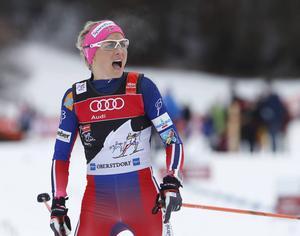Therese Johaug klarade sig utan gult kort efter sin förseelse i den klassiska sprinten.