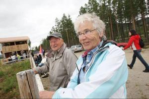 Margot och Gösta Johansson från Timrå passar på att besöka Björnvalla när de är i sin stuga.