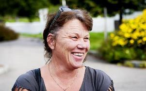 Sussane Alexandersson, 48 år, butiksinnehavare, Borlänge:– Vi är mest här och handlar  i matvarubutiken egentligen. Men det är verkligen jättefint här, det måste jag ändå säga. Foto: Carl Lindblad